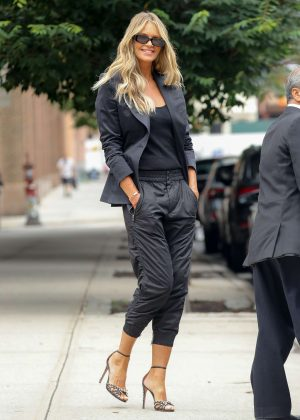 Elle Macpherson - Out in New York City
