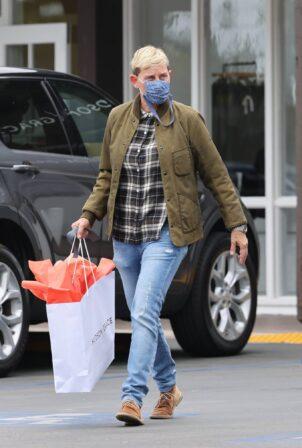 Ellen DeGeneres - Shopping at Hudson Grace in Montecito