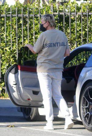 Ellen Degeneres - Spotted in her $200k Porsche 911 Turbo S in Montecito
