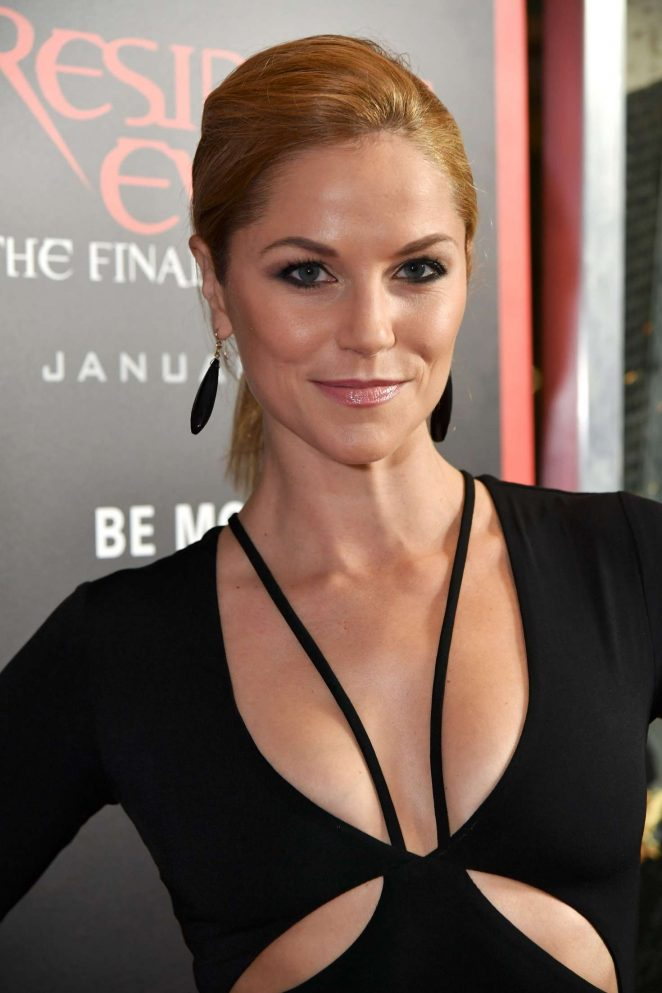 Ellen Hollman - 'Resident Evil: The Final Chapter' Premiere in Los Angeles