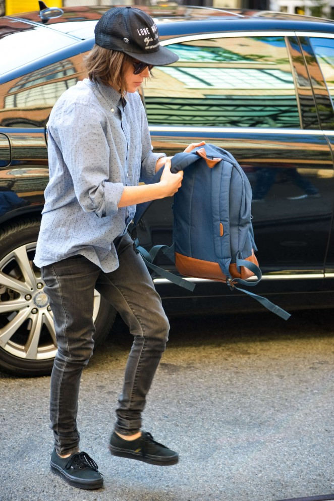 Ellen Page - Arriving at the Bowery Hotel in NYC