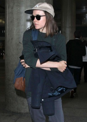 Ellen Page - Arriving on a flight at LAX airport in Los Angeles