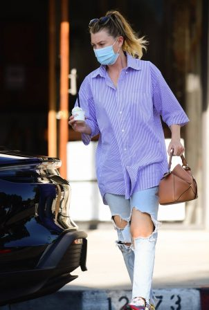 Ellen Pompeo - Pictured at McConnell's Fine Ice Creams in Studio City