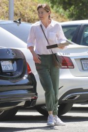 Ellen Pompeo - Shopping candids at Erewhon Organic Grocers in Calabasas