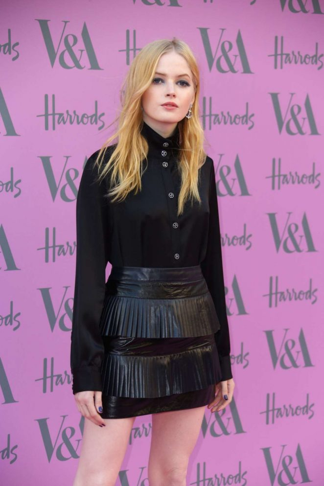 Ellie Bamber - 2018 Victoria and Albert Museum Summer Party in London