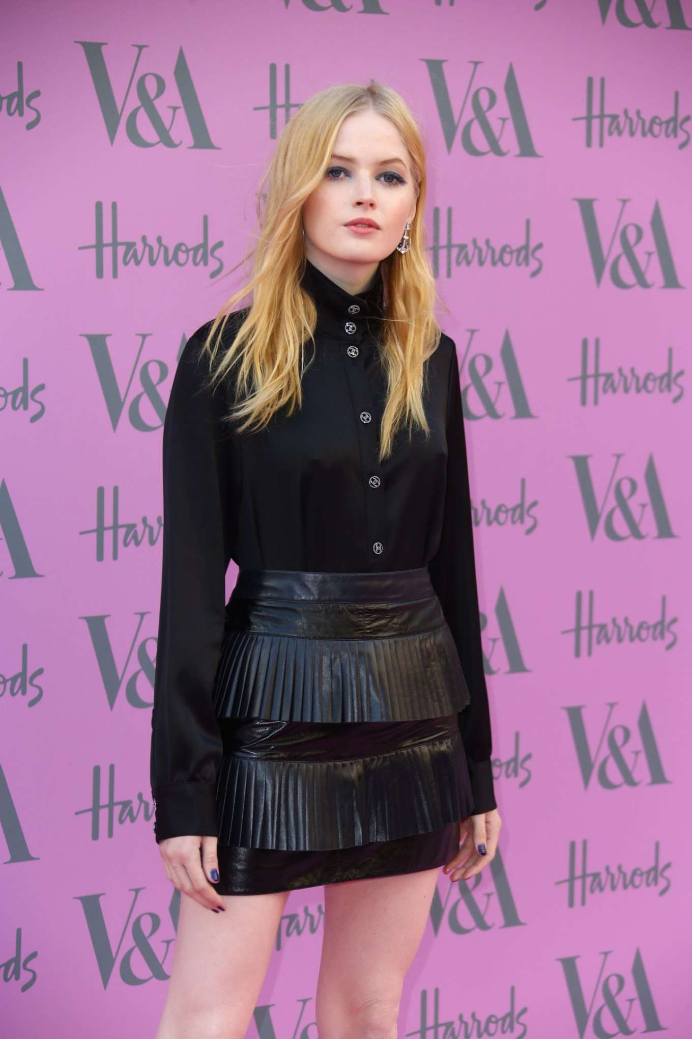Ellie Bamber: 2018 Victoria and Albert Museum Summer Party -08