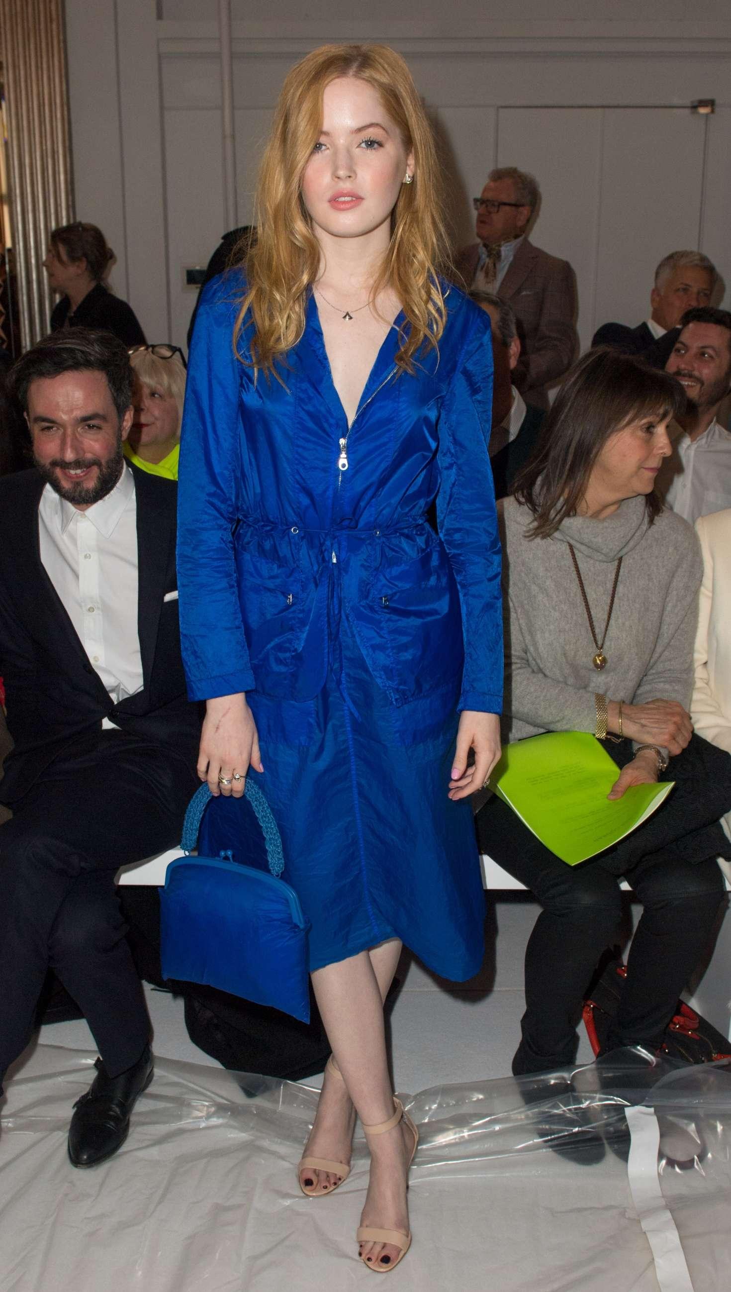 Ellie Bamber 2018 : Ellie Bamber: Jasper Conran Fashion Show 2018 in London -04