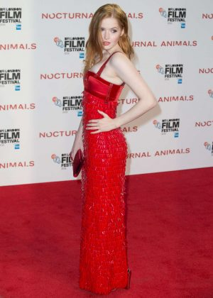 Ellie Bamber - 'Nocturnal Animals' Premiere in London