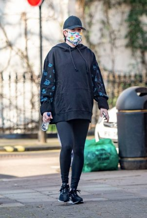 Ellie Goulding - 8 Months pregnant out in London