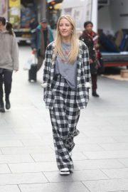 Ellie Goulding - Arrives at Global Radio in London