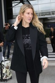 Ellie Goulding - Arrives at Nice Airport in France