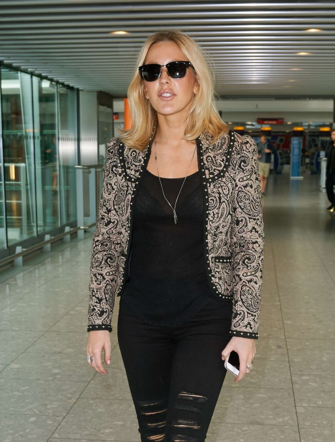 Ellie Goulding - Heathrow Airport in London