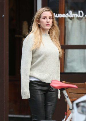Ellie Goulding - Leaving Saint Ambroeus in New York