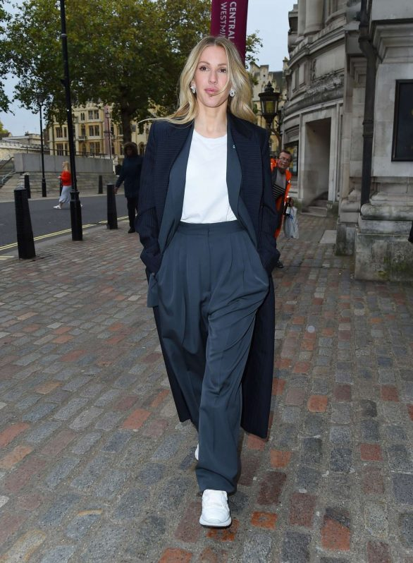 Ellie Goulding - Leaving the One Young World Summit in London