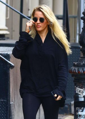 Ellie Goulding - Out in New York