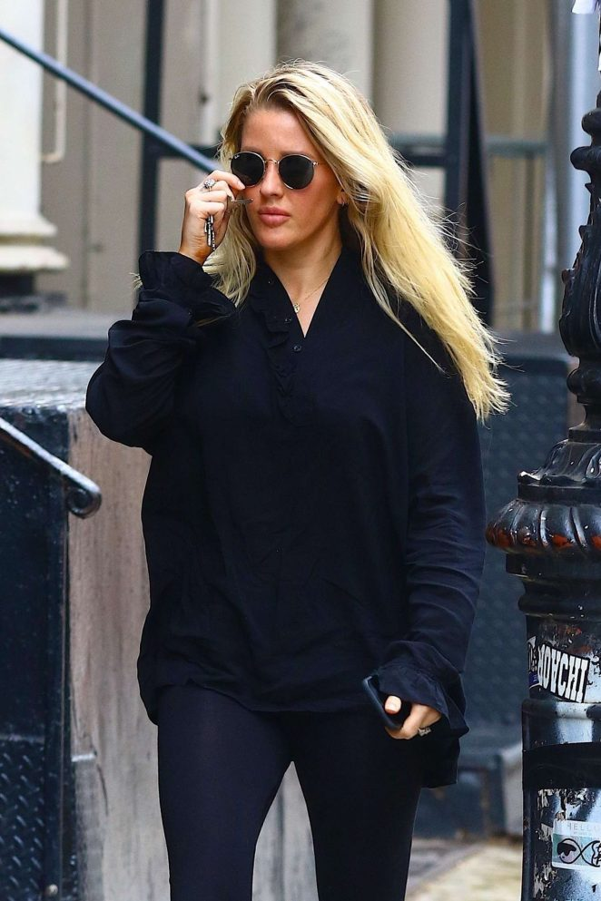 Ellie Goulding – Out in New York