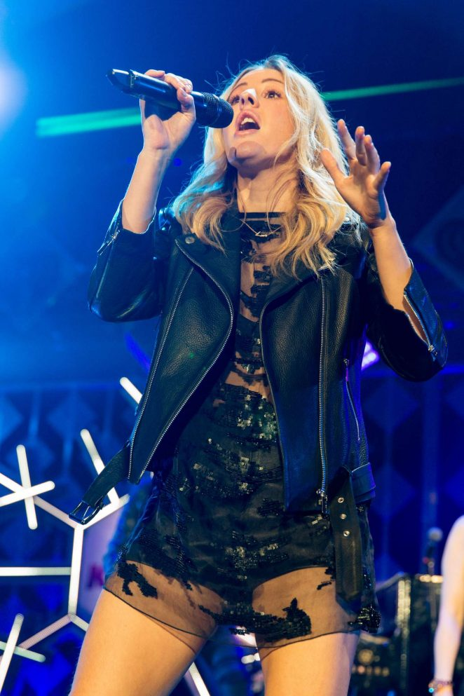 Ellie Goulding - Performing at 103.5 KISS FM's Jingle Ball in Rosemont