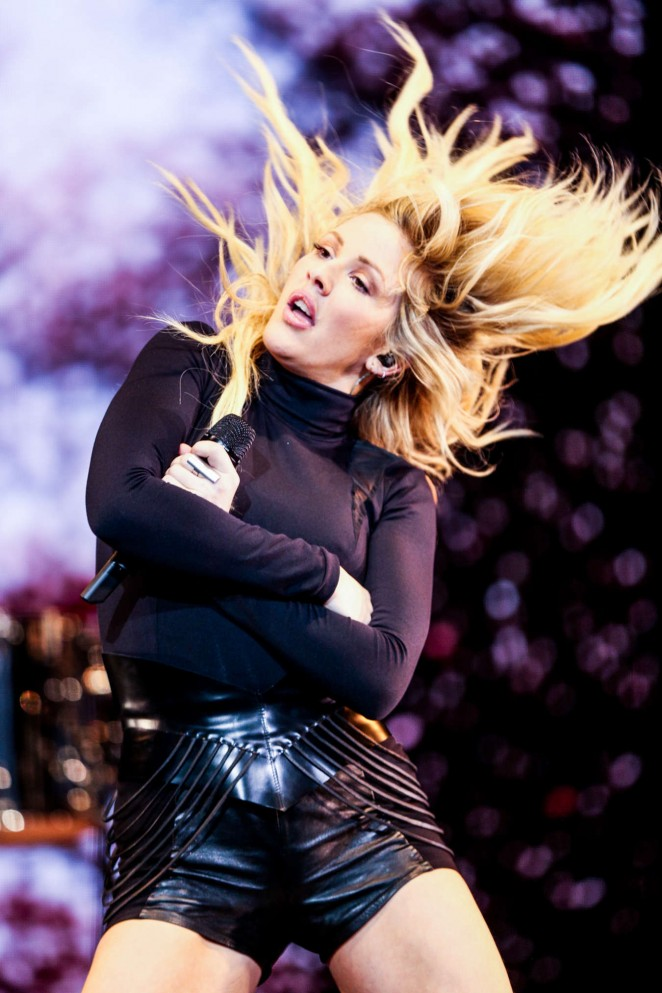 Ellie Goulding - Performing at the Staples Center in Los Angeles