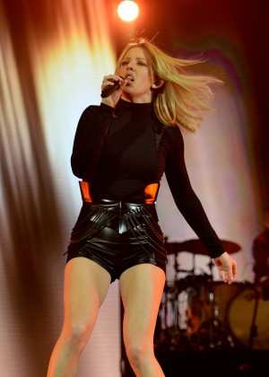 Ellie Goulding - Performs live onstage at Olympic Hall in Munich