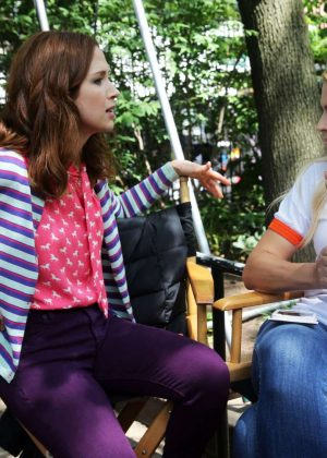 Ellie Kemper and Busy Philipps - Filming 'Unbreakable Kimmy Schmidt' in New York