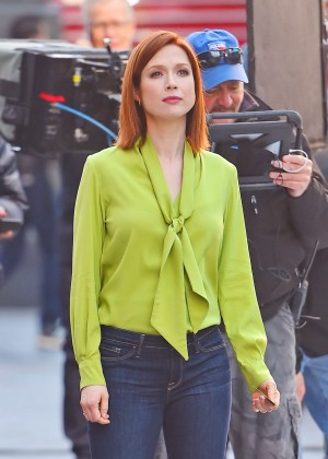 Ellie Kemper - Filming a Chase commercial in New York
