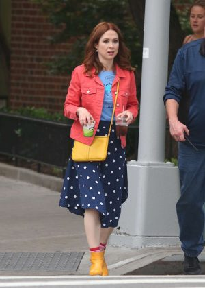 Ellie Kemper - Leaving the set of Unbreakable Kimmy Schmidt in NY