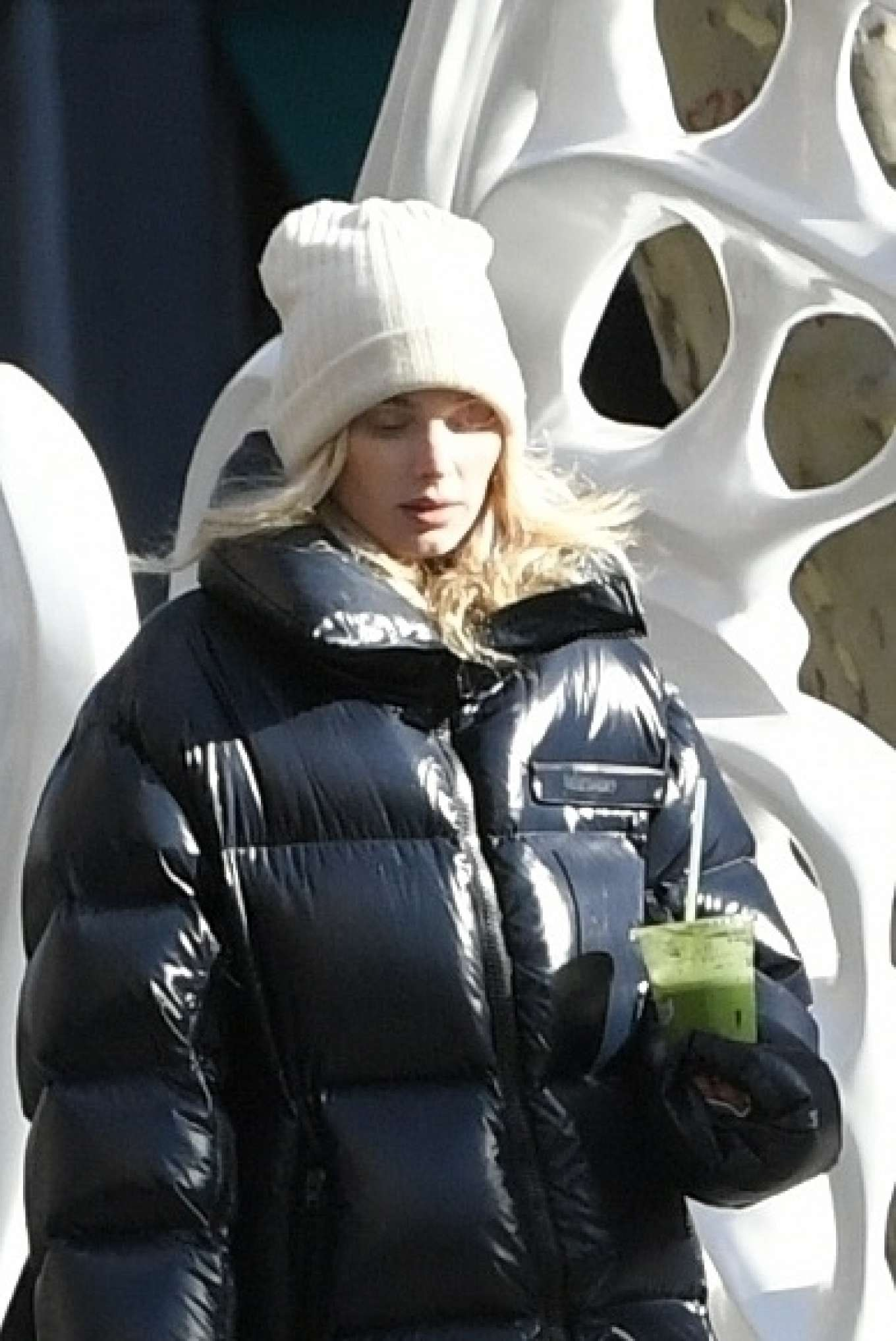 Elsa Hosk - Grabbing a green juice in New York
