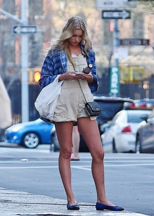 Elsa Hosk in Short Shorts Hailing a cab in NYC
