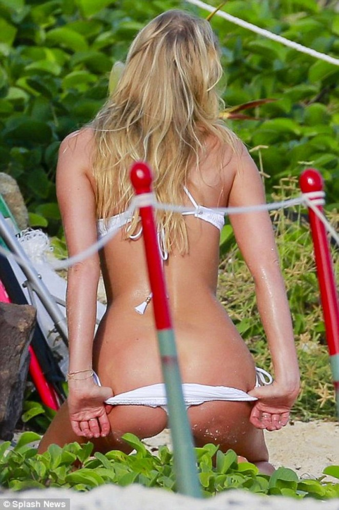 Elsa Hosk - Hot in Victoria's Secret photoshoot in St. Barths