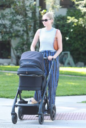 Elsa Hosk - Out for a morning walk with her baby daughter in Pasadena