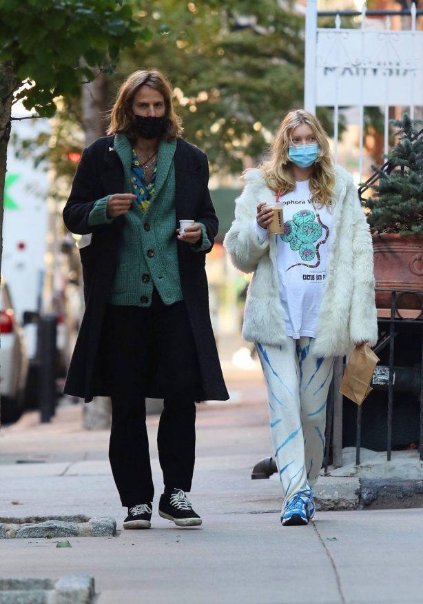 Elsa Hosk - Out with her partner in Manhattan's SoHo neighborhood