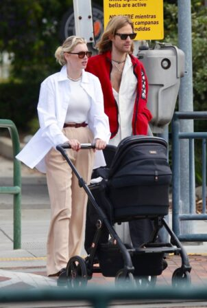 Elsa Hosk - Spotted with her family in Los Angeles