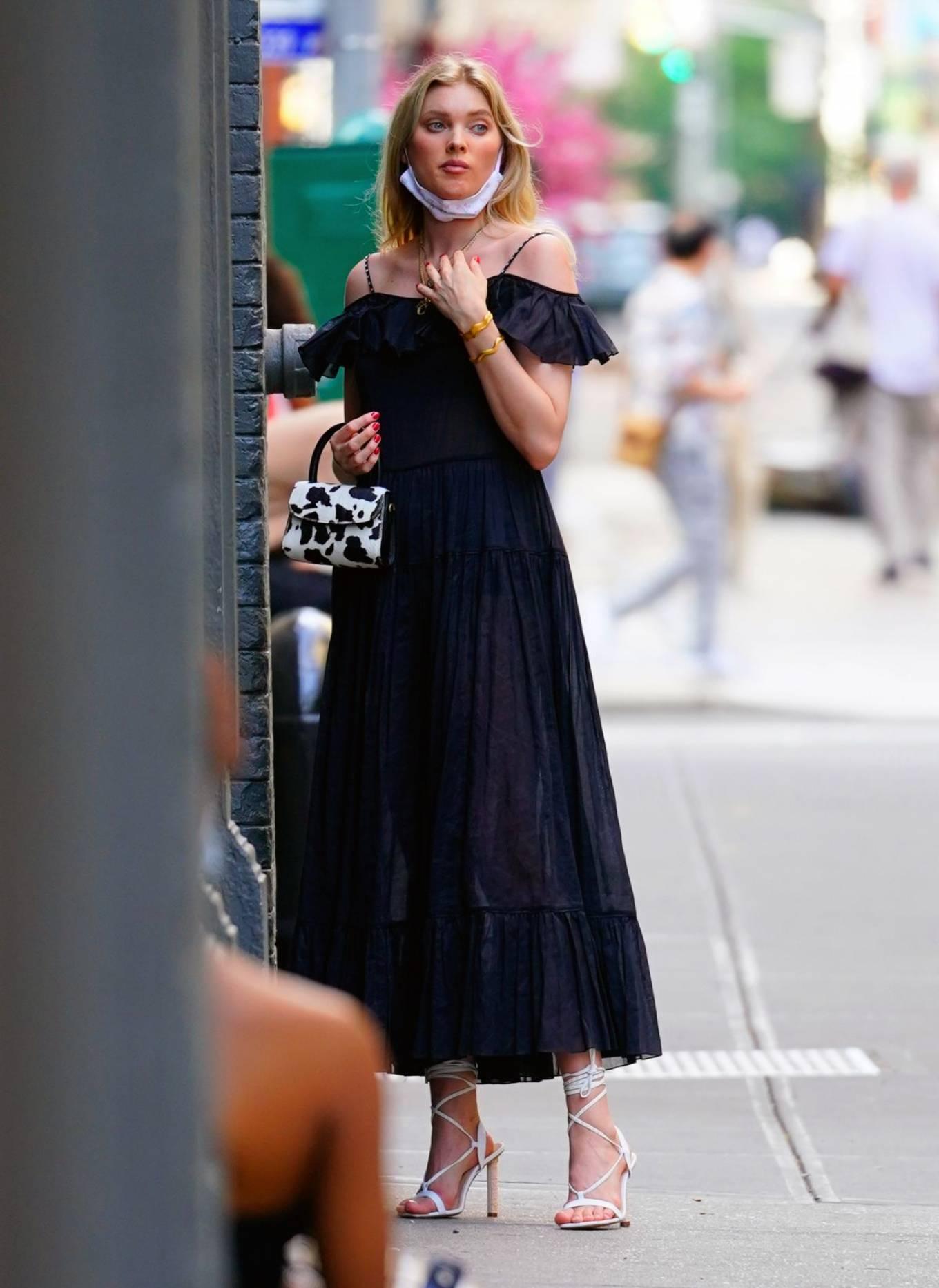 Elsa Hosk 2020 : Elsa Hosk – Wearing mask while out for shopping in New York-03