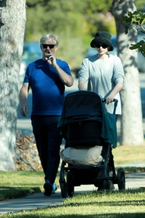 Elsa Hosk - With her father and daughter Tulukki seen near her home in Pasadena