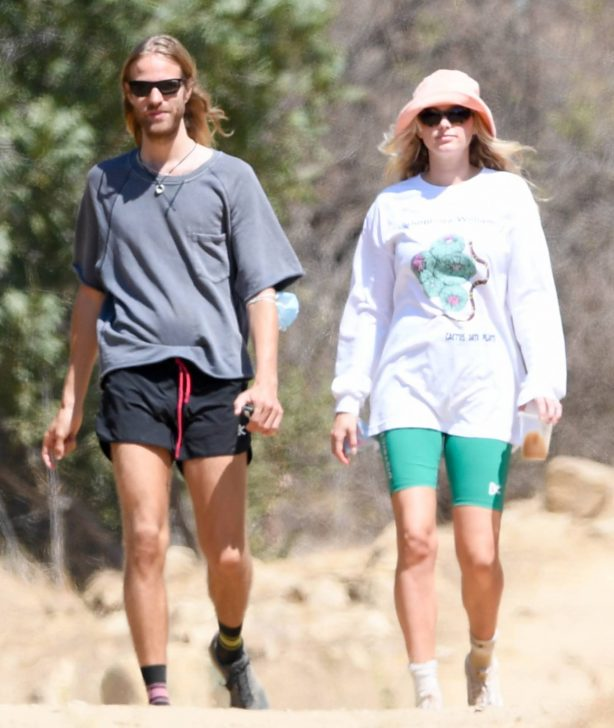 Elsa Hosk with Tom Daly - Hike in Los Angeles