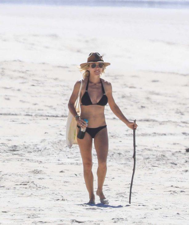 Elsa Pataky - Bikini candids on the beach in Byron Bay
