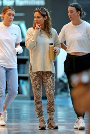 Elsa Pataky - In leopard-print pants at Bondi Junction in Sydney
