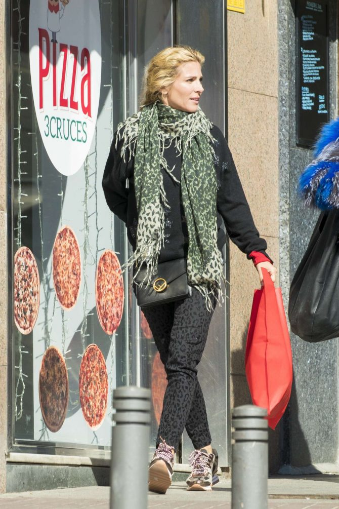 Elsa Pataky in Leopard Print Pants – Out in Madrid