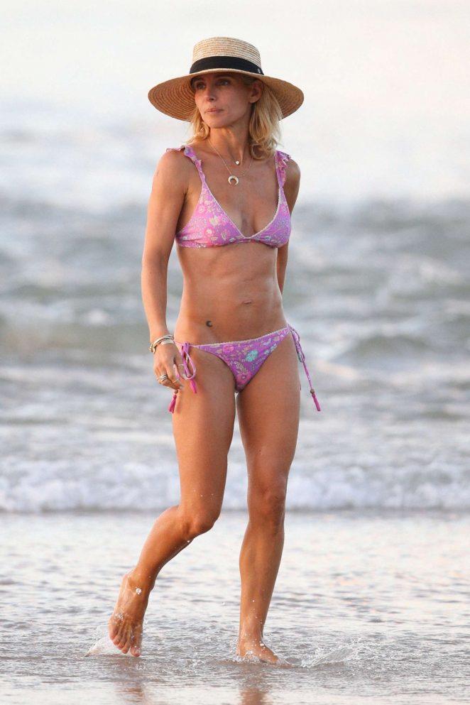 Elsa Pataky in Pink Bikini at the beach in Byron Bay