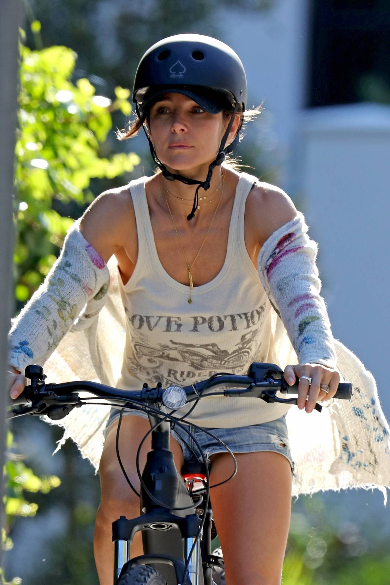 Elsa Pataky 2021 : Elsa Pataky – Out for a bike ride in Sydney-01