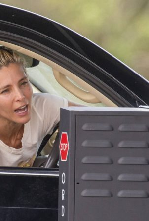 Elsa Pataky - Pit-stops for Happy Meals at a McDonals's Drive-Thru in Byron Bay