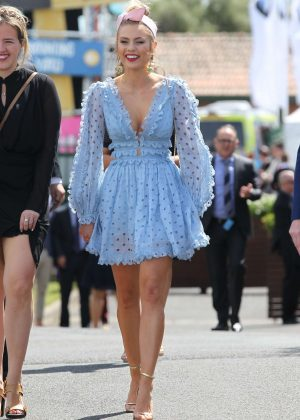 Elyse Knowles - 2016 Caulfield Cup in Melbourne