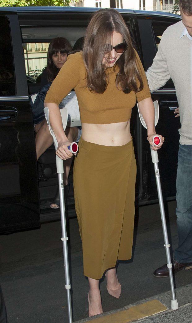Emilia Clarke: Arriving at her hotel in Paris-11
