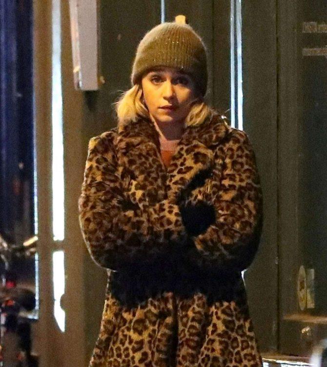 Emilia Clarke: Filming Last Christmas -05
