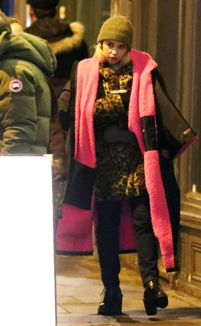 Emilia Clarke: Filming Last Christmas -15