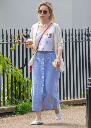 Emilia Clarke in Long Skirt - Grabs a coffee in London