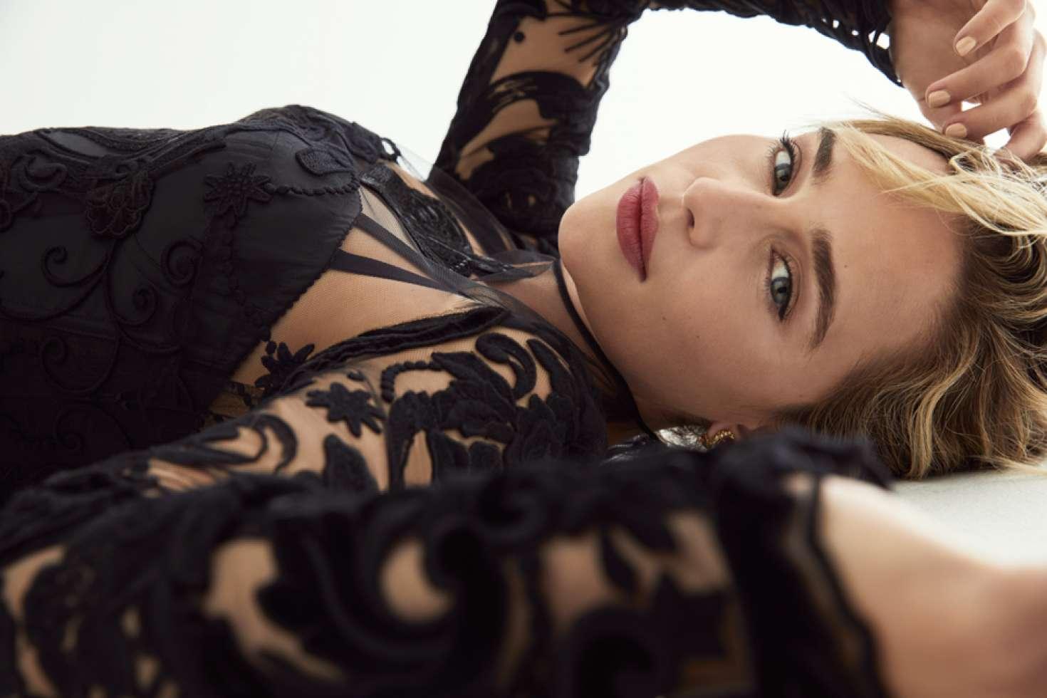 Emilia Clarke: Marie Claire UK 2015 -05 | GotCeleb