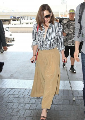 Emilia Clarke - LAX Airport in Los Angeles
