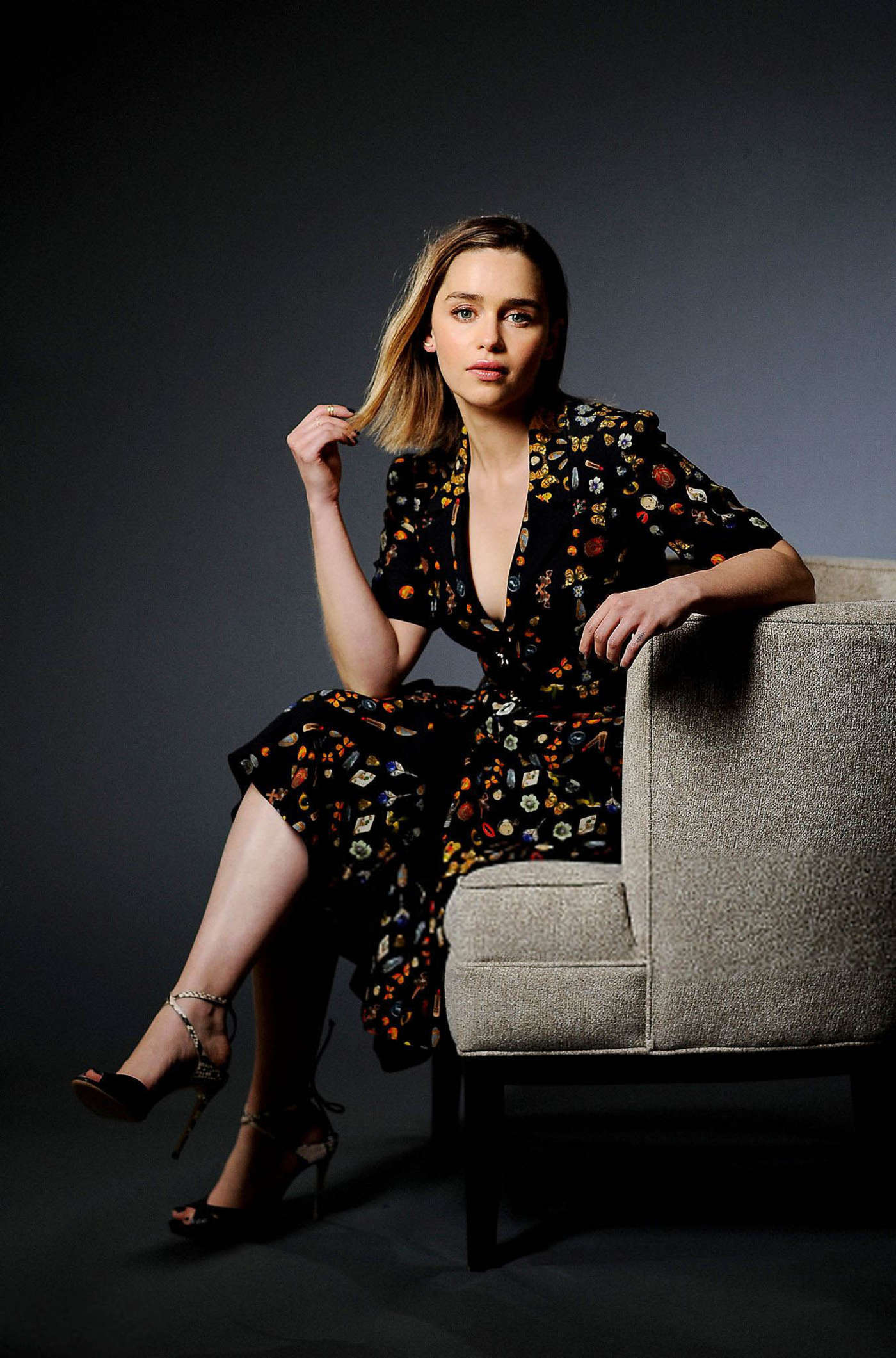 Emilia Clarke – Los Angeles Times Photoshoot (June 2016 ...