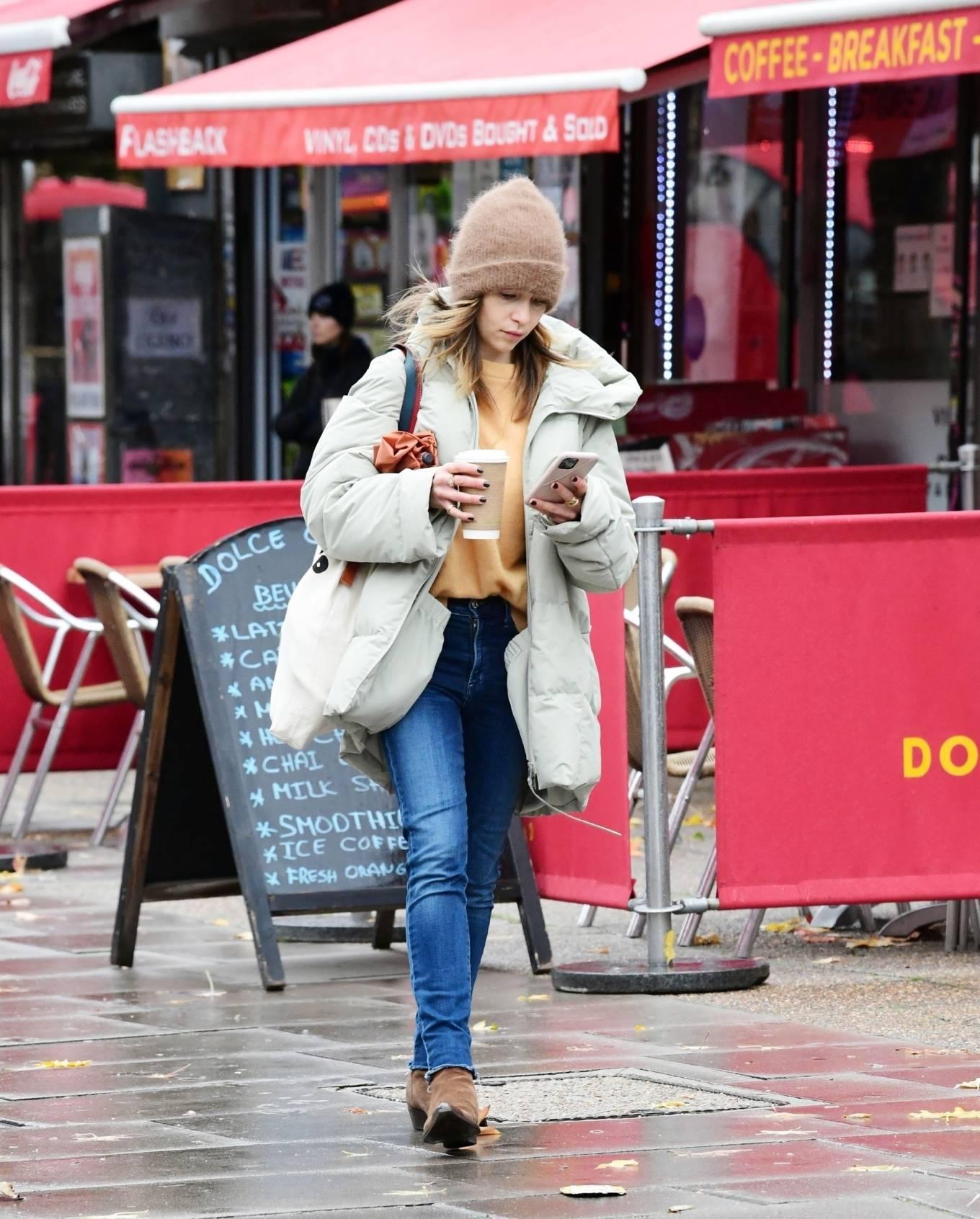 Emilia Clarke 2020 : Emilia Clarke – Out in London-02